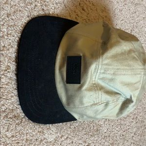 Vans 5 panel hat. Black and Tan